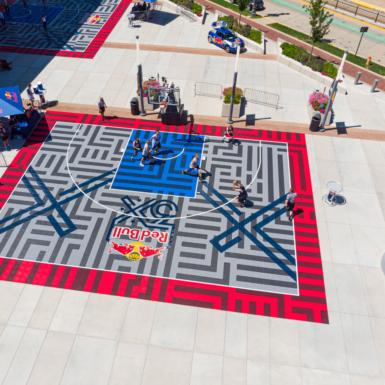 Vista arial de torneo Red Bull 3x. Los diseños de Snapsports, propios o personales, comerciales o residenciales, de interiores o al aire libre, son muy vistosos y siempre mantienen la calidad.