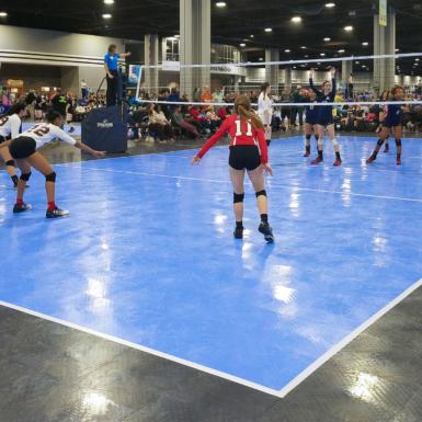 Superficie 50-50 en la competencia de voleibol