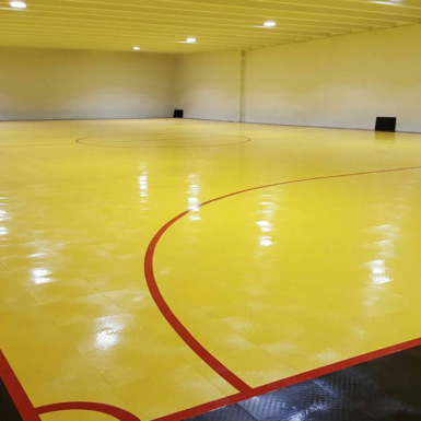 Campo 50-50 amarillo y negro