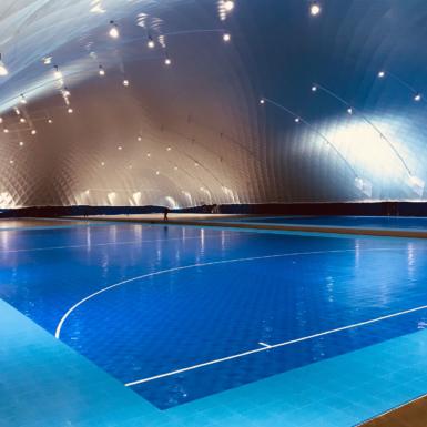 Campo de fútbol sala BounceBack interior azul en Holanda