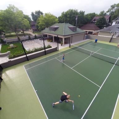 Cancha de tenis verde