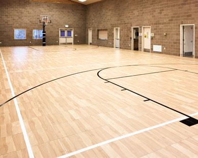 Un piso del gimnasio con Classic XL.
