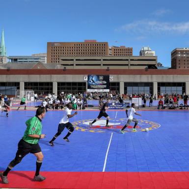 Torneo de fútbol al aire libre