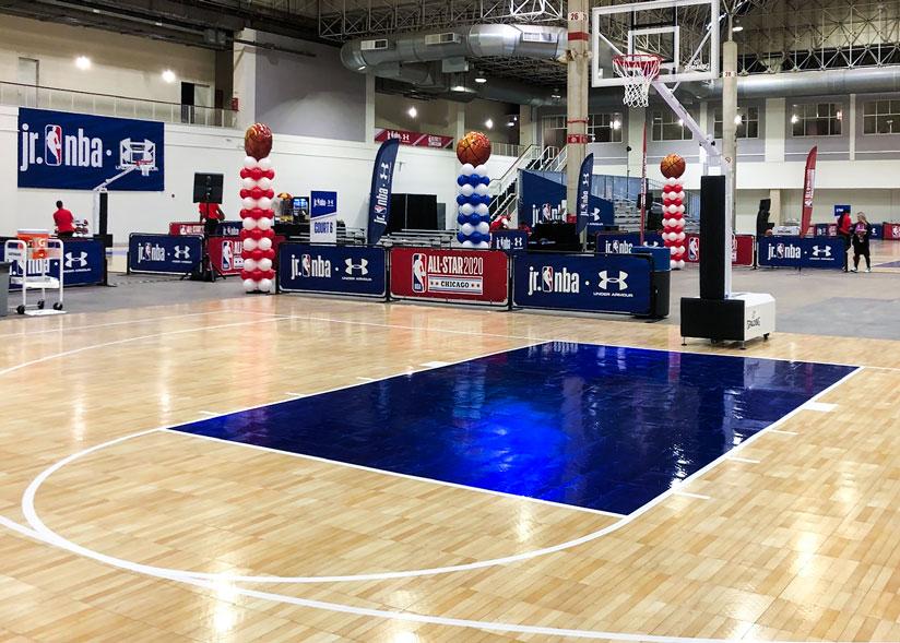 TuffShild en una cancha de SnapSports en un evento de la NBA.